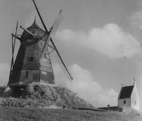 Et af de ældste fotos af Karrebæk Mølle. Årstal kendes ikke.