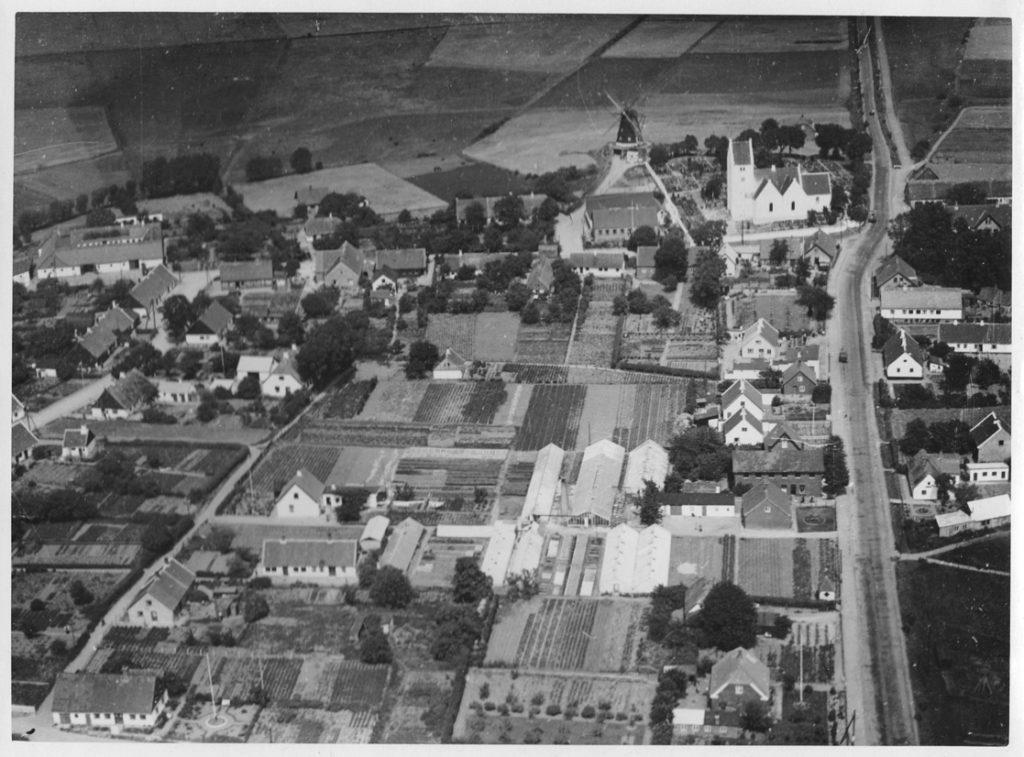 Luftfoto af Karrebæk i 1930'erne, Aero Express 1931-1947
